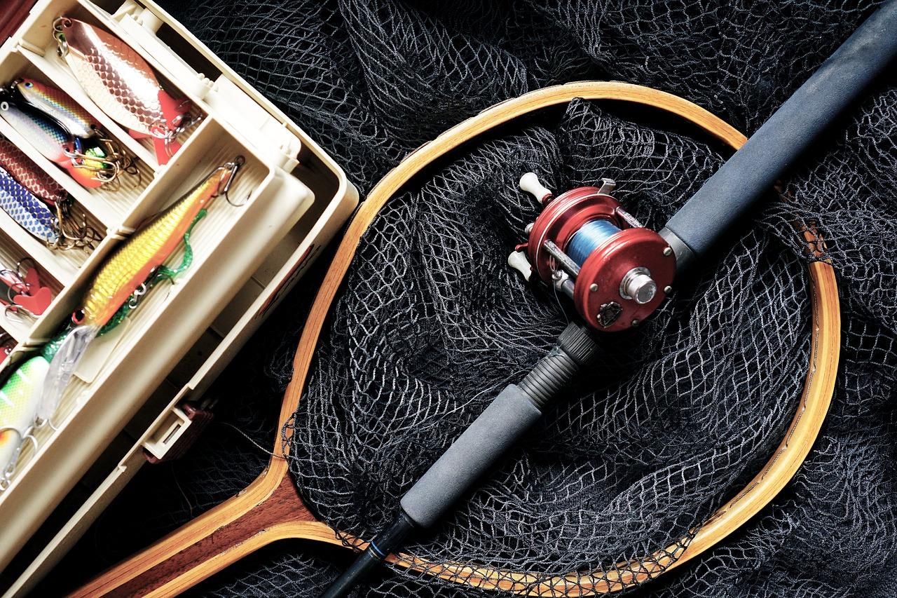 Rick Mercer and Rick Hansen Go Sturgeon Fishing