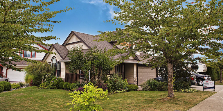 Lets Talk About Real Estate For Moment >> Listings Bob Mclean